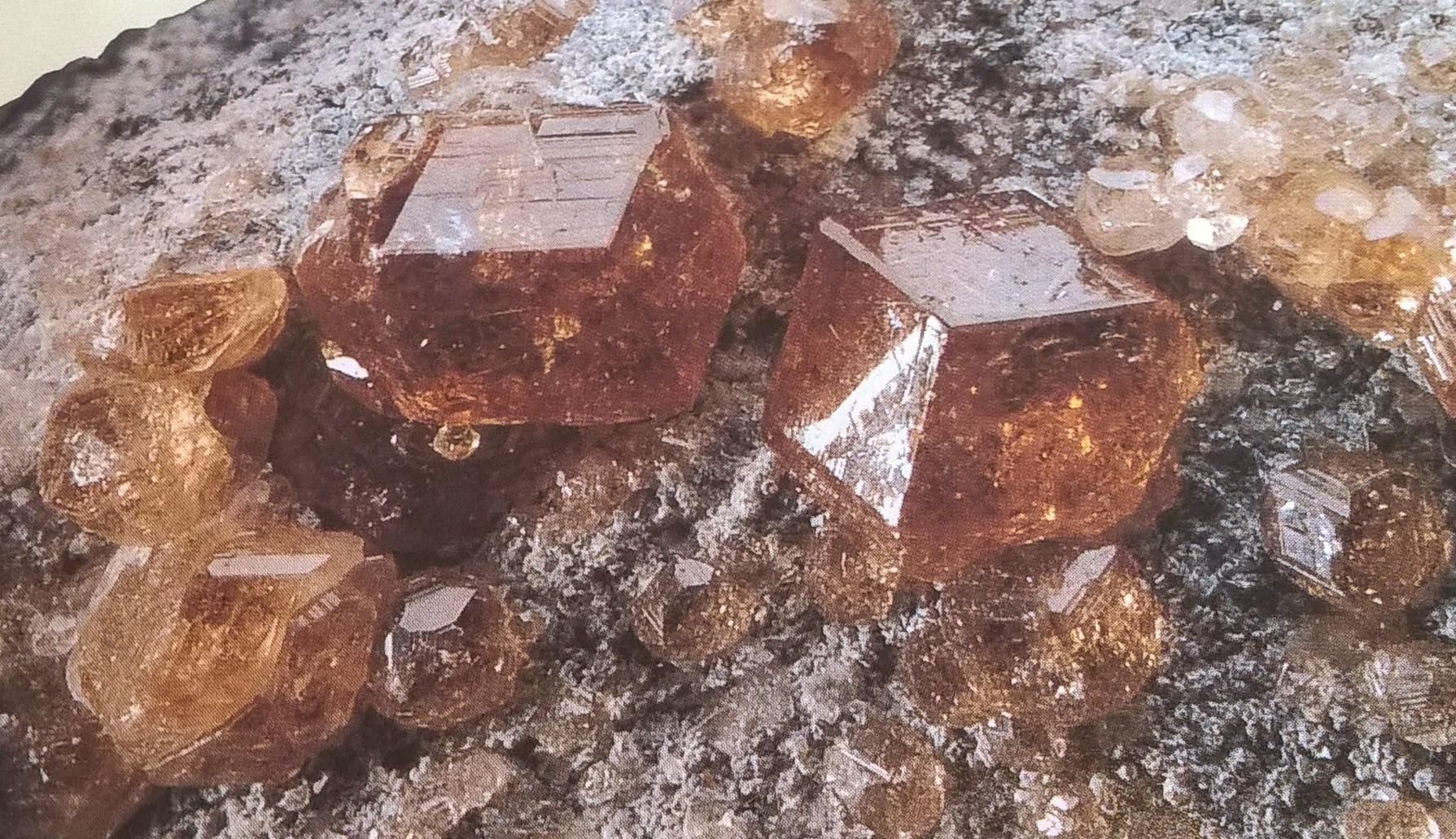 Granaat | Edelstenen De Warmtesteen
