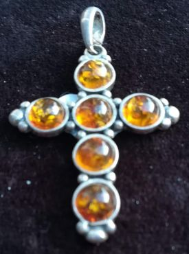 Barnsteen kruisje in zilver extra kwaliteit