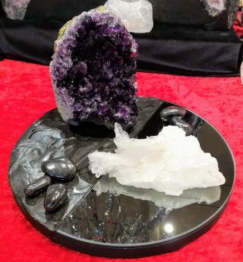 Nieuw ! Bewerkte schalen met Uruguai Amethist en Bergkristal ruw