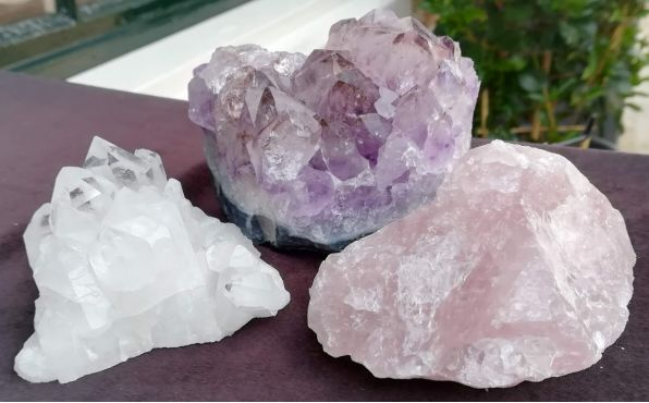 Magical Trio Amethist- Rozekwarts-Bergkristal ' of 'Gouden Driehoek kleine middenmaat